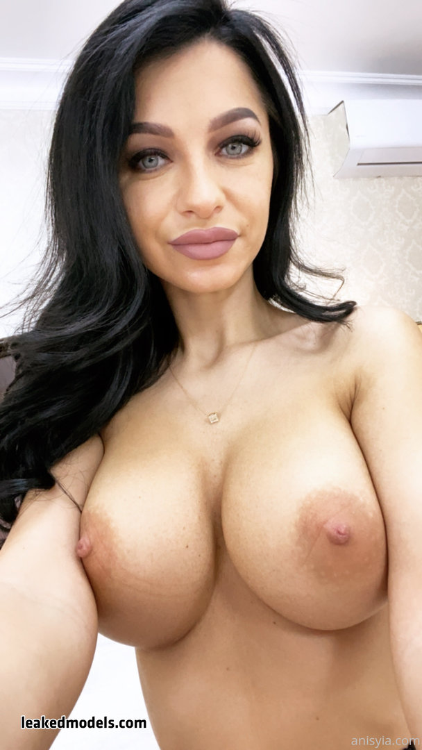 Anisyia – anisyiaxxx OnlyFans Leaks (70 Photos and 5 Videos)